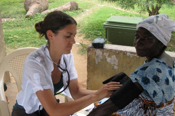 volunteer-nursing-ghana 200